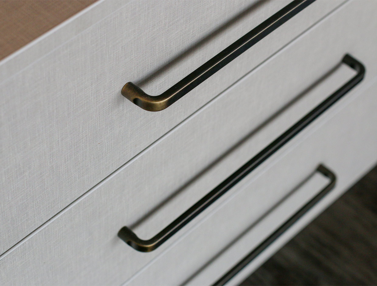 Sliderobes Chest of Drawers Dresser Handles Detail